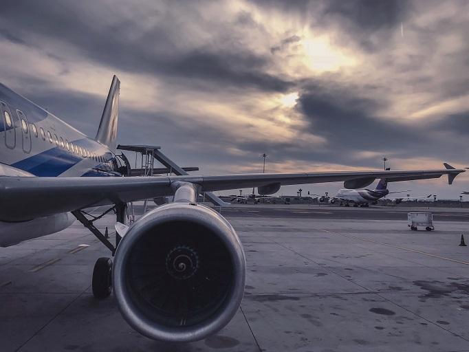 Boeing Develops Avian-Deterring Lighting Systems for Aircrafts