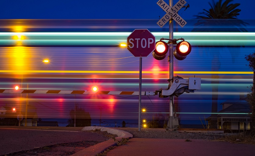 Siemens Develops System for Providing Railroad Crossing Information to Autonomous Vehicles